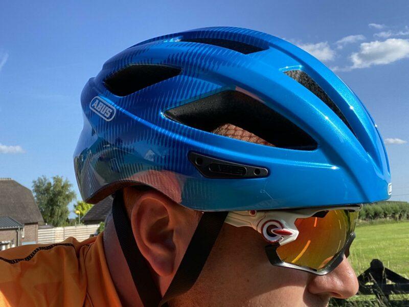 De Macator: Instapmodel helm van ABUS met bravoure